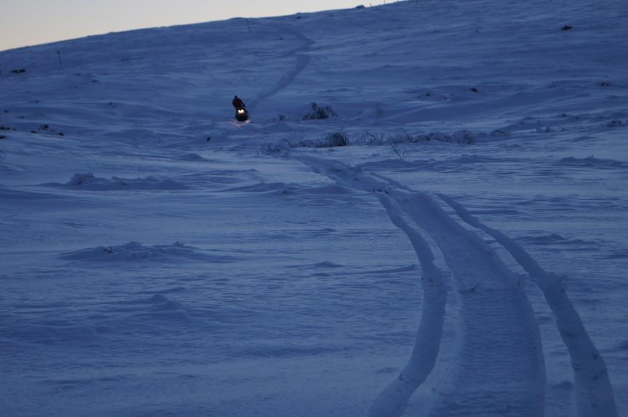 downhill_snowmobile
